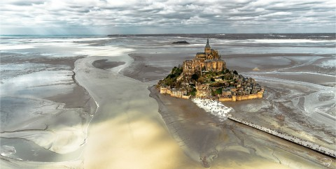Photo Basse mer au Mont-Saint-Michel par Philip Plisson