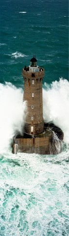 Photo Vague sur le phare du Four, Finistère, Bretagne par Philip Plisson