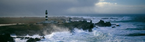 Photo Gust of wind on Ouessant, Finistère, Brittany par Guillaume Plisson