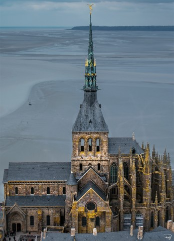 Photo L'archange Saint-Michel, Le Mont-Saint-Michel, Normandie par Philip Plisson