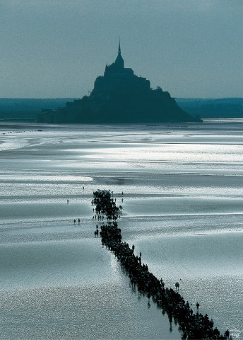 Photo Dans la baie du Mont-Saint-Michel, Manche par Philip Plisson