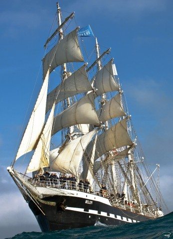 Photo The three-masted barque Belem, all sails out. par Philip Plisson
