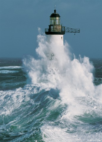 Photo The Ar-Men lighthouse off Sein Island, Brittany par Guillaume Plisson