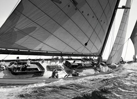 Photo Under the wind of Cambria, a legendary sailing yacht par Guillaume Plisson