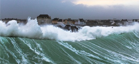Photo Petra storm on the Finistère coasts par Philip Plisson