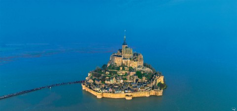 Photo Open sea at Mont-Saint-Michel, Normandy par Philip Plisson
