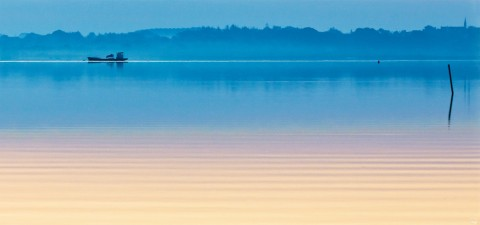 Photo Early morning in the Gulf of Morbihan, Brittany par Philip Plisson