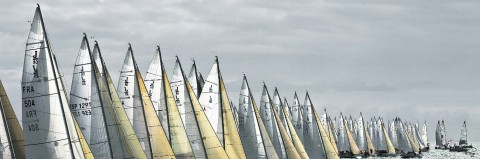 Photo Sailboats on the starting line par Philip Plisson