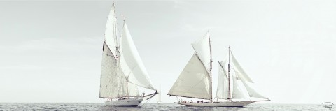 Photo Classic sailing and calm sea par Philip Plisson