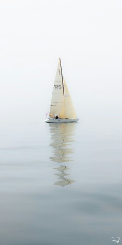Photo Sailing boat in light weather par Philip Plisson