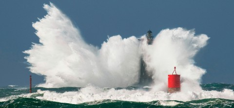 Photo Waves attack on the Four lighthouse, Brittany par Philip Plisson