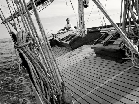 Photo On the deck of Pen Duick par Philip Plisson