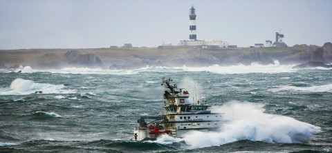 Photo The Abeille bourbon ocean tuf  in front of Ouessant island par Philip Plisson