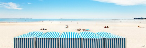 Photo Blue sky on the beach of la Baule par Philip Plisson